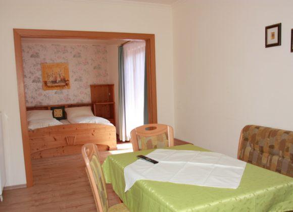 GRÜNAUHOF DOPPELZIMMER PLUS 25-30 m² mit Balkon